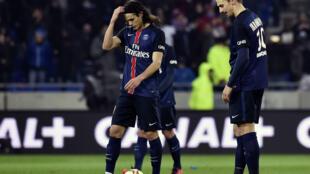 Le PSG s'incline pour la première fois de la saison en championnat (2-1), face à Lyon.