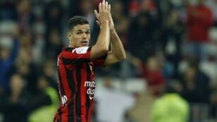 حاتم بن عرفة يقترب من التعاقد مع برشلونة.