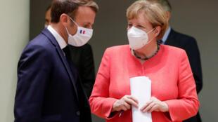 Le président français Emmanuel Macron et la chancelière allemande Angela Merkel, le 21 juillet 2020, à Bruxelles.