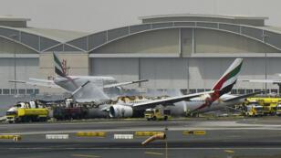 """Aux environs de 8 h 45 GMT, Emirates a annoncé un """"incident"""" impliquant l'un de ses appareils en provenance d'Inde."""