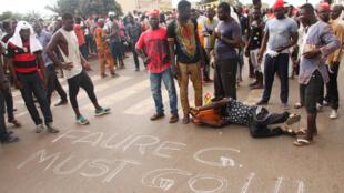Des manifestants de l'opposition, le 20 septembre 2017, à Lomé.