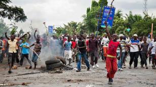 Manifestants à Bujumbura contre un troisième mandat du président Nkurunziza, le 13 mai 2015.