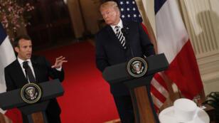 El presidente francés, Emmanuel Macron (izquierda), propuso la creación de un nuevo acuerdo nuclear con Irán, el 24 de abril de 2018.