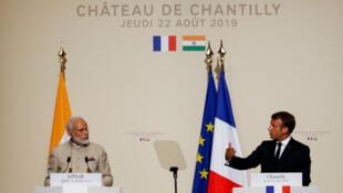 Le Premier ministre indien Narendra Modi et le président français Emmanuel Macron, au château de Chantilly, dans l'Oise.