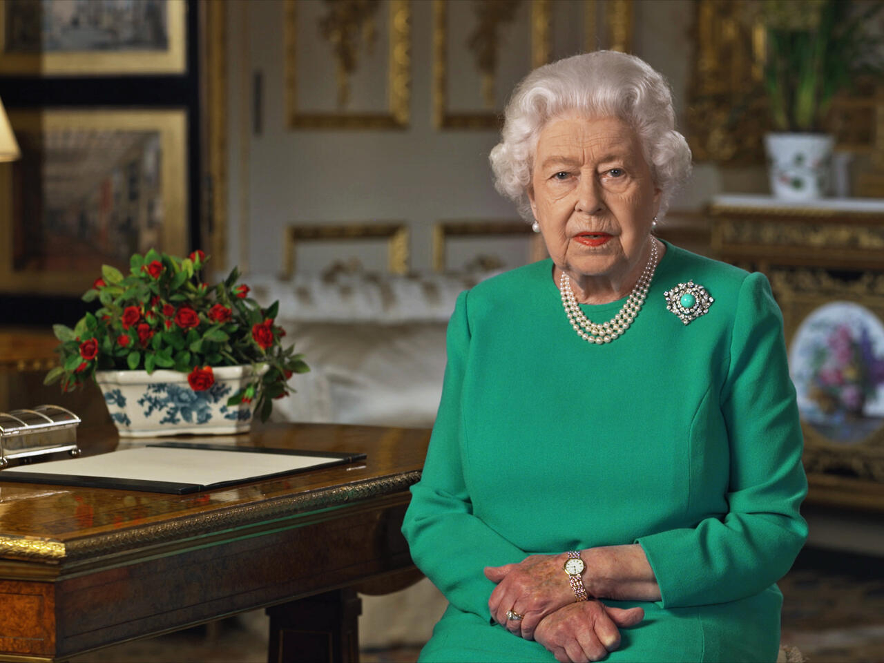The Queen On Christmas Day 2021 In Rare Address Queen Elizabeth Calls For Self Discipline In Coronavirus Fight