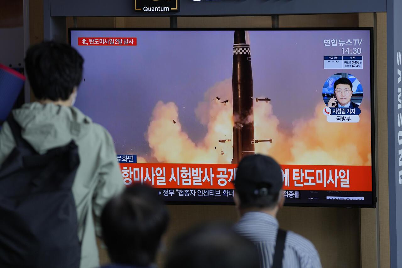 Corea del norte lanza mísiles
