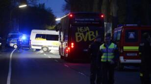 Le bus du Borussia Dortmund a été lourdement endommagé par l'explosion.