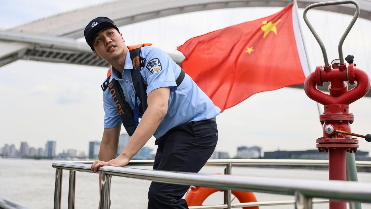 Chinese swimmer goes from Olympic podium to river police - France 24