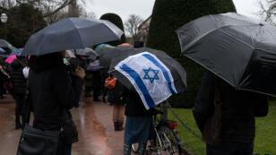 Marche silencieuse à Strasbourg le 28 mars 2018 en hommage à Mireille Knoll, 85 ans, une juive assassinée chez elle dans ce que la police pense être une attaque antisémite.