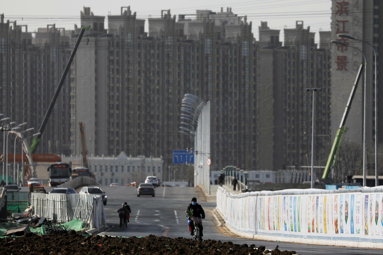 P_3_CHINA-ECONOMY-PROPERTY-INVESTMENT