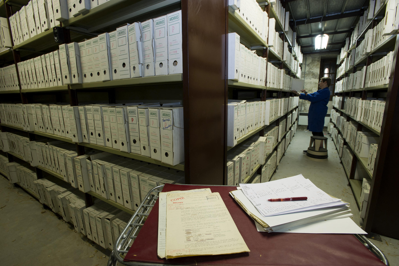 Des archives du Service historique de la Défense, au château de Vincennes, près de Paris.