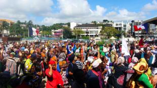 Des manifestants mahorais sur la Place de la Republique de Mamoutzou, le 13 mars 2018.