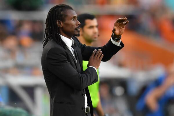 آليو سيسيه مدرب السنغال.