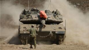 دبابة إسرائيلية خلال تدريب في هضبة الجولان 13 أيلول/سبتمبر 2016.