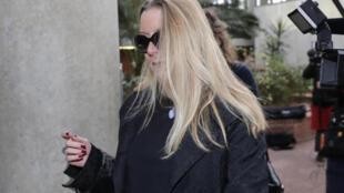 Virginie Ettel, l'une des deux accusatrices de Georges Tron, au tribunal de Bobigny (Seine-Saint-Denis), le 23 octobre 2018