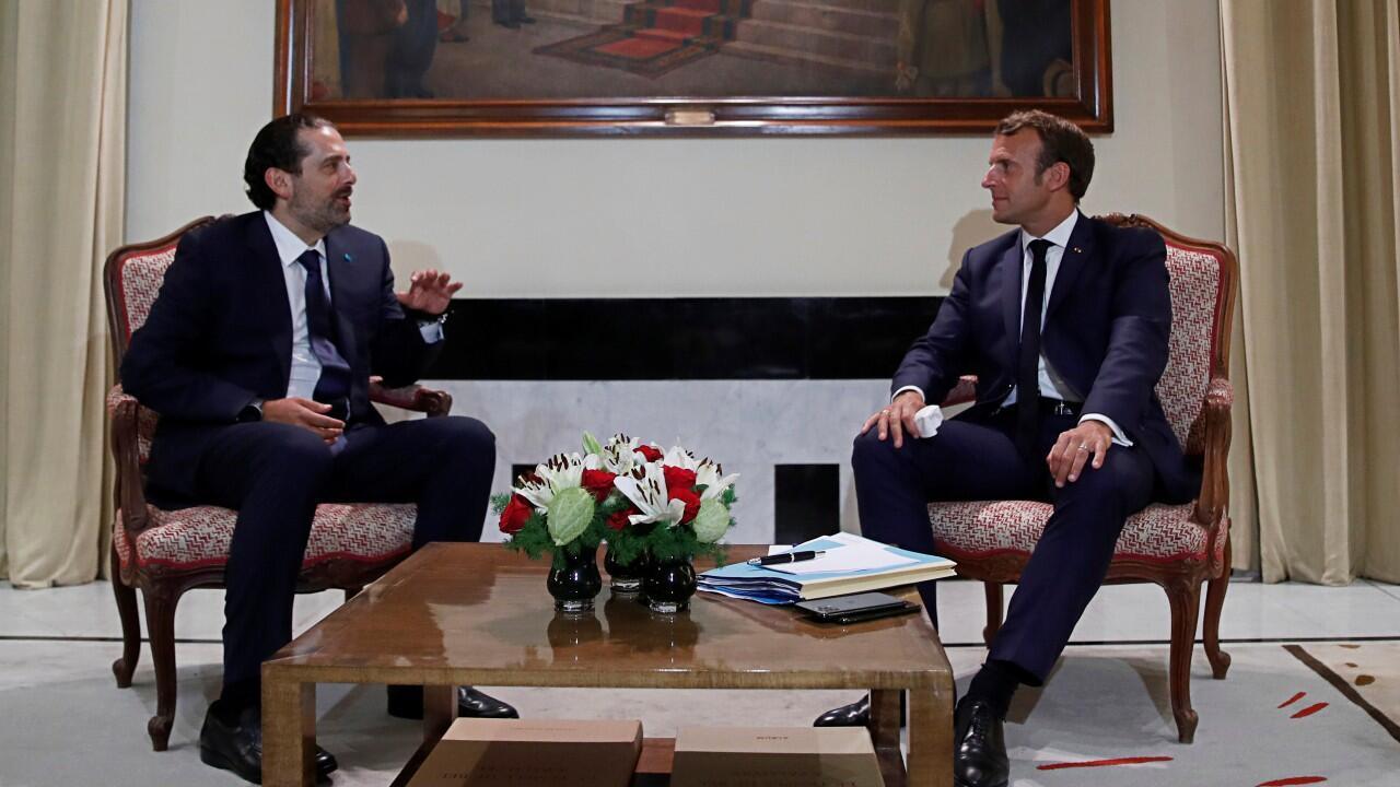 El exprimer ministro libanés Saad Hariri (izquierda), aquí presente con el presidente francés Emmanuel Macron, anunció que será nuevamente candidato al cargo para conformar Gobierno en Líbano.