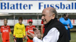 Sepp Blatter lors du tournoi qui porte son nom, le 22 août 2015 à Ulrichen (Suisse).
