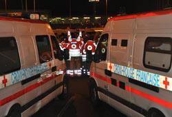 Environ 37 ambulances de la Croix-Rouge ont été mobilisées pour transporter les blessés dans une quinzaine d'hôpitaux en région parisienne. (Crédit: Sarah Leduc)