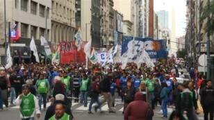 Los argentinos salieron a las calles, de nuevo, el 30 de agosto, para protestar contra las políticas económicas de Mauricio Macri.