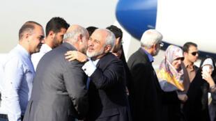 Mohammad Javad Zarif à son arrivée à l'aéroport de Téhéran, le 15 juillet 2015