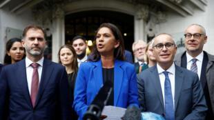 La activista Gina Miller habla con la prensa tras el fallo de la Corte Suprema sobre la decisión del primer ministro, Boris Johnson, de prorrogar el Parlamento antes del Brexit, en Londres, Reino Unido, el 24 de septiembre de 2019.