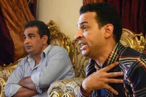 """Les deux frères sont pessimistes pour le futur de la démocratie en Égypte. Mohamed regrette la révolution de 2011, qui a apporté """"plus d'insécurité que de liberté"""". Reda rappelle que les Égyptiens ont été """"habitués à subir depuis les pharaons""""."""