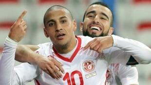 هداف المنتخب التونسي وهبي خزري