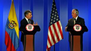 El presidente de Colombia, Juan Manuel Santos, y el secretario de Estado de los Estados Unidos, Rex Tillerson, hablaron durante una conferencia de prensa conjunta en Bogotá, Colombia, el 6 de febrero de 2018.