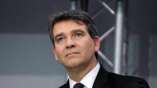 Arnaud Montebourg a jugé que François Hollande menait une politique qui étouffait l'économie française.