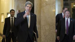 John Kerry arrive à Lausanne avec sa délégation le 18 mars 2015.