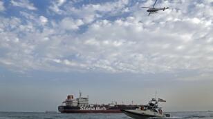 دوريات الحرس الثوري الإيراني حول الناقلة الحاملة للعلم البريطاني، ستينا إمبيرو، قبالة ميناء بندر - 21 يوليو/تموز 2019