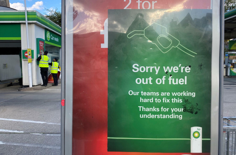 نفاد الوقود في عد محطات في بريطانيا