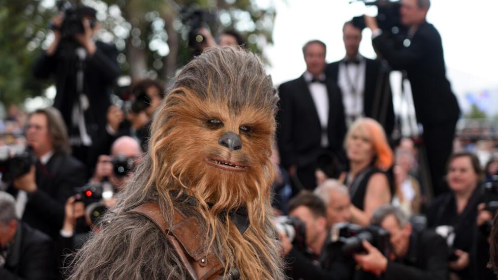La proyección fuera de competición de 'Solo: a Star Wars Story' llevó a un aumento en el mercado de Hollywood, marcado por el mundo de la saga de George Lucas, incluido el personaje icónico de Chewbacca.