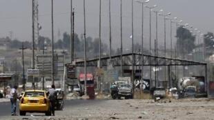 حاجز لتنظيم الدولة الإسلامية في الموصل في 16 حزيران/يونيو 2014