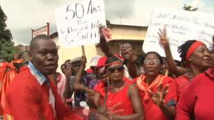 L'opposition et la société civile ont manifesté, vendredi 12 décembre 2014, au Togo.