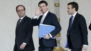 François Hollande, Manuel Valls et Emmanuel Macron, à l'Élysée, le 18 février 2015.