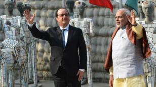 François Hollande et Narendra Modi, dimanche 24 janvier 2016, au Rock Garden de Chandigarh en Inde.