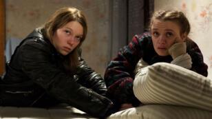 "Léa Seydoux et Sara Forestier dans ""Roubaix, une lumière"" d'Arnaud Desplechin."