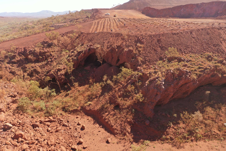 Les PDG de Rio Tinto renonce à son bonus après la destruction de la grotte de Juukan Gorge, un site aborigène en Australie, habité il y a plus de 46000ans.