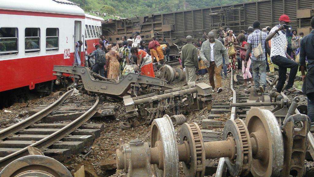 Près de 80 personnes sont mortes dans le déraillement d'un train entre Yaoundé et Douala, au Cameroun, le 21 octobre 2016.