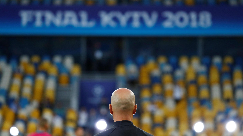 Zidane durante el entrenamiento previo a la final de la Champions League en el Estadio Olímpico NSC, Kiev, Ucrania el 25 de mayo de 2018