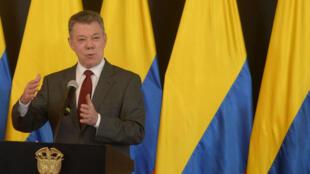 El 4 de diciembre el presidente colombiano, Juan Manuel Santos, anunció la renovación del equipo negociador en los diálogos con la guerrilla del ELN.