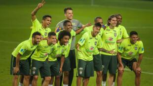 L'équipe du Brésil pose durant une séance d'entraînement avant la Copa America.