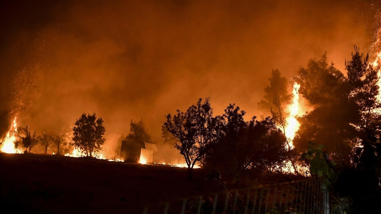 Wildfires continue to tear through Greece and Turkey, firefighter killed