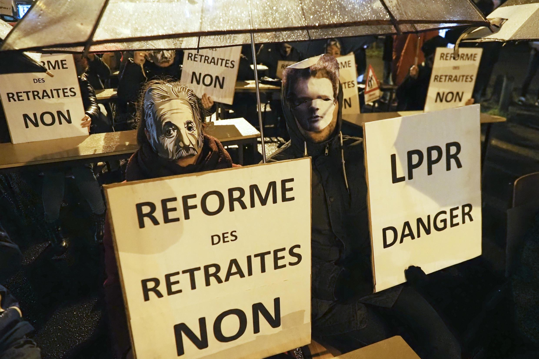 Dès janvier 2020, des manifestants tiraient la sonnette d'alarme quant à la loi de programmation pluriannuel de la recherche.