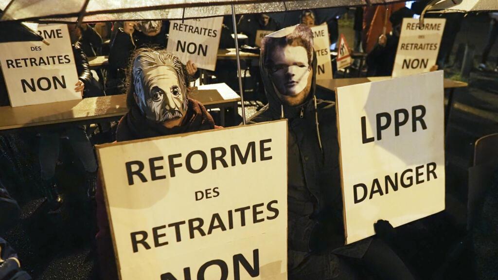 """En France, le monde de la recherche déplore une """"réforme déconnectée de la réalité"""""""
