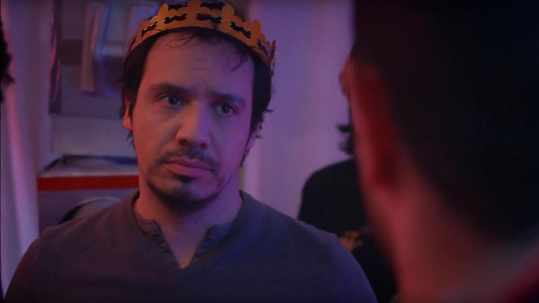 """Quand c'est toi l'roi, mais que t'as pas les tunes pour le film """"Kaamelott""""."""