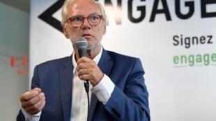 Laurent Joffrin lors d'une conférence de presse à Paris le 20 juillet 2020