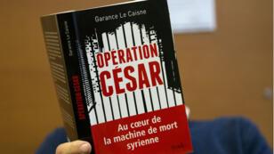 """La mise en examen découle de l'""""enquête César"""", du nom de code d'un photographe exfiltré des geôles du régime syrien et qui a pu documenter les exactions qui s'y déroulent."""