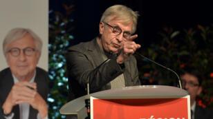 Jean-Pierre Masseret, le candidat du parti socialiste en Alsace-Lorraine-Champagne-Ardenne refuse de se retirer pour faire barrage au FN.